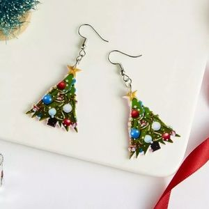 Heidiscloset Jewelry - Acrylic Christmas Tree Earrings.